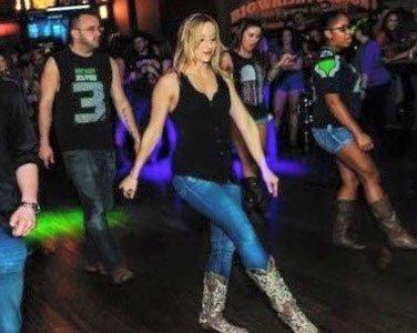 Nashville line dancing lessons with Coach April